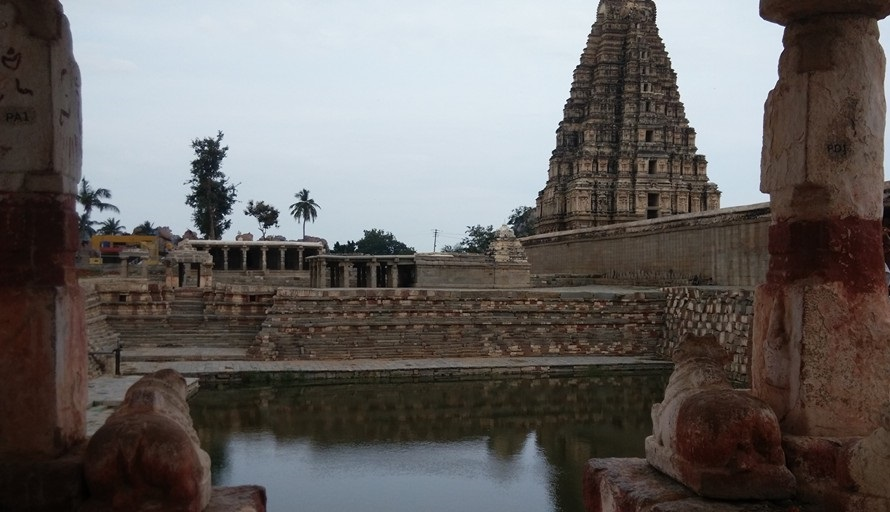 Hampi sightseeing places - Virupaksha temple