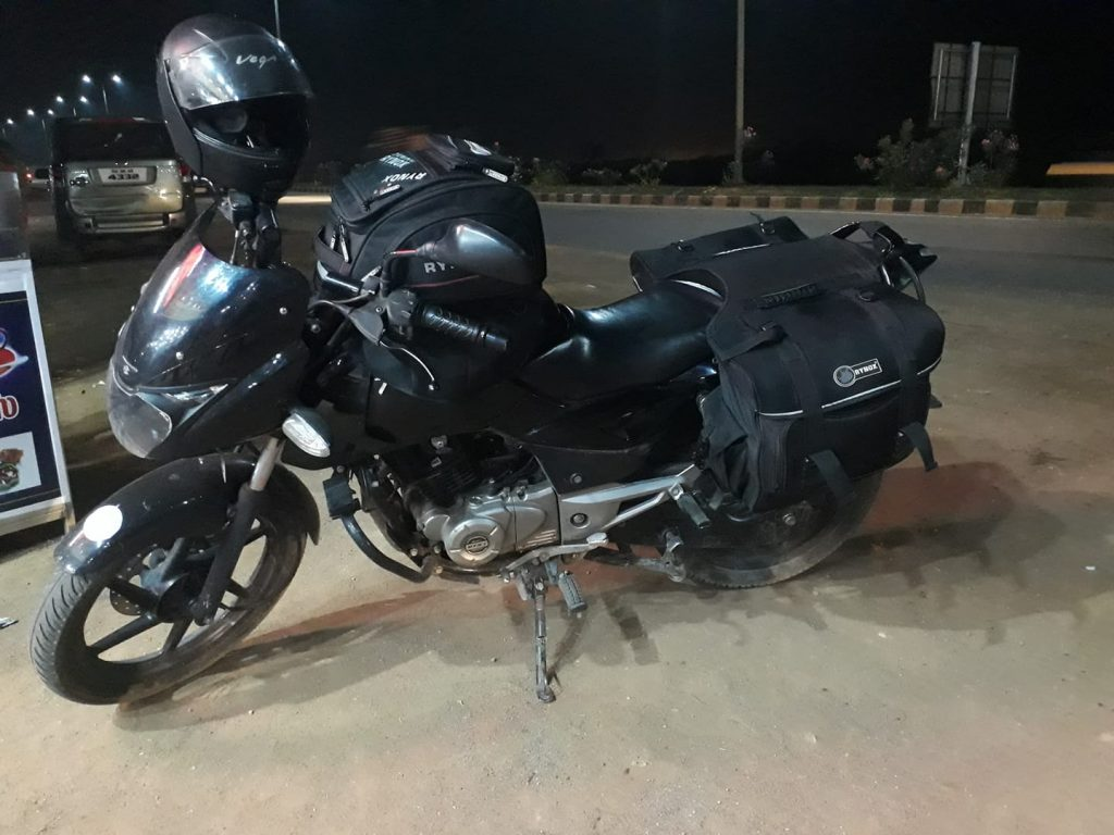 South India Travel blogger - road trip bike images