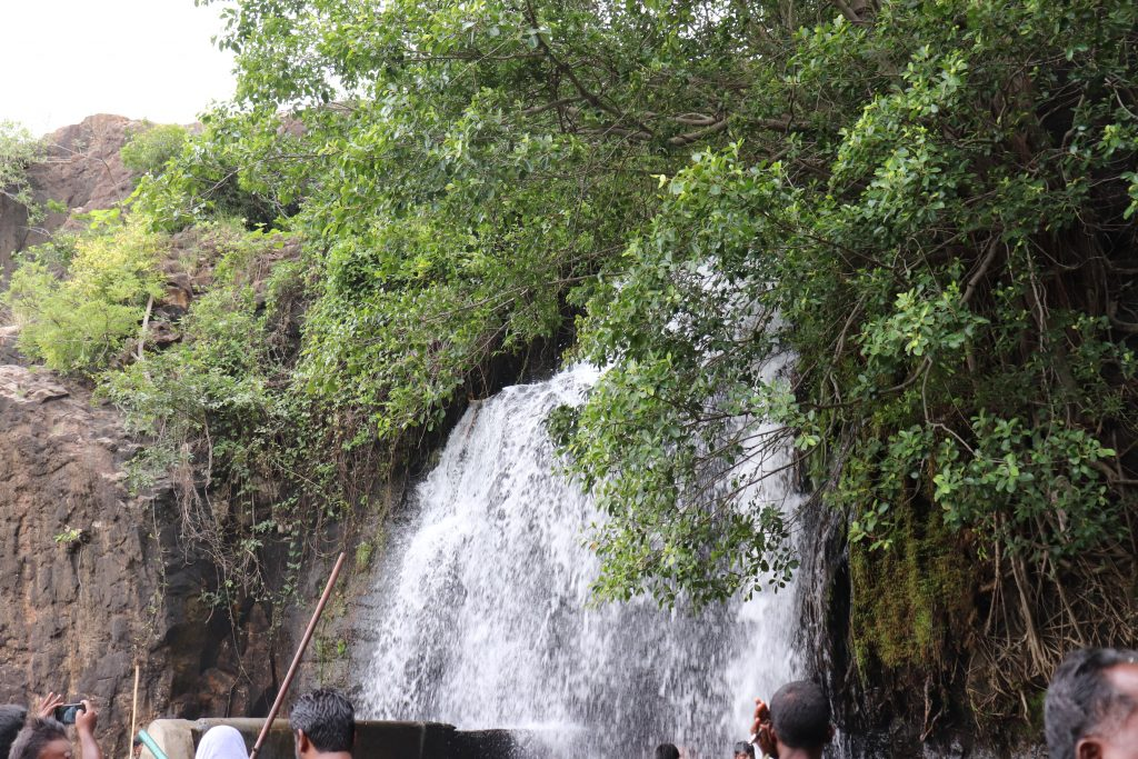 Best sighseeing places in Tirunelveli district - Papanasam agasthiyar falls