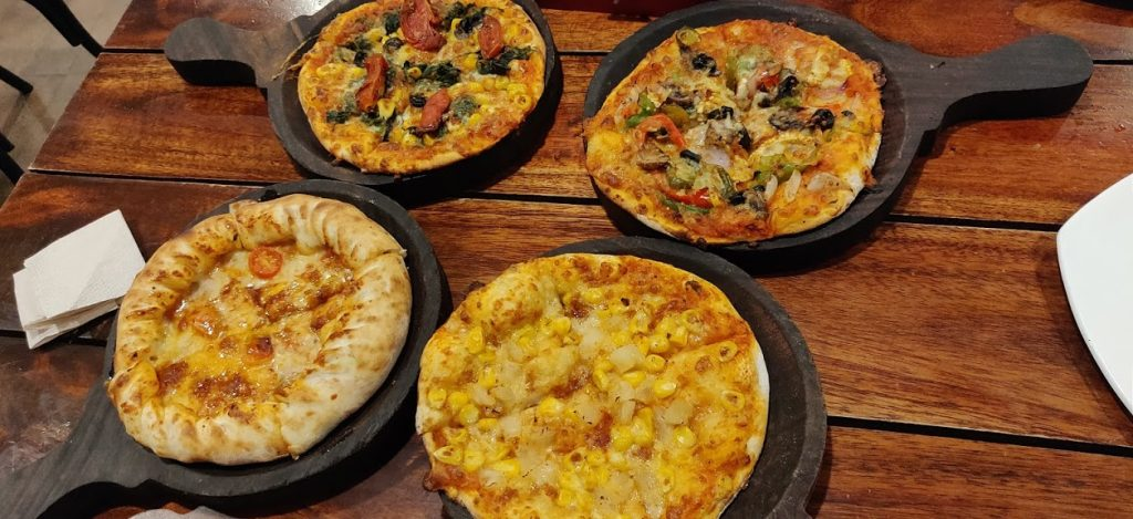 Onesta Unlimited Pizza_travelduo photography