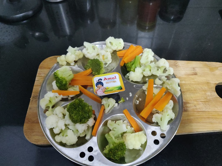 Home cooked steam veggies