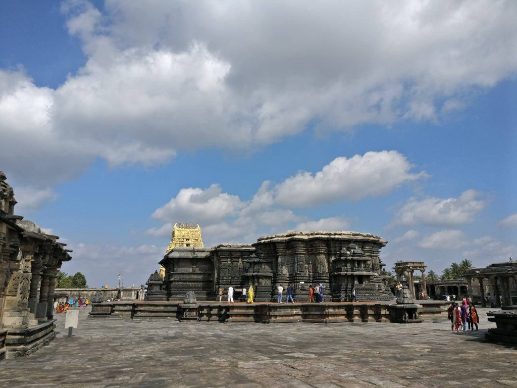 famous temple images in karnataka